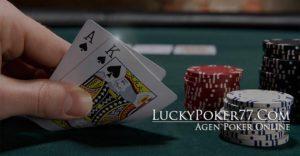 Genggam Kartu Poker dan Menang Bermain Judi Online